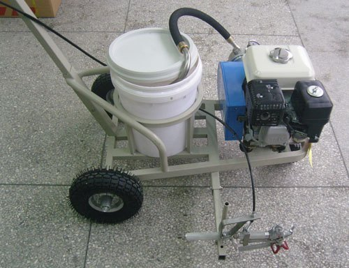 airless road line striping machine
